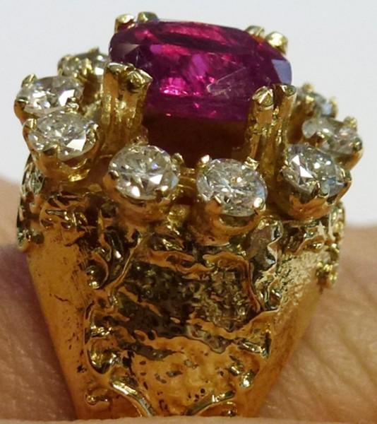 ein hinreißend schöner Exklusiv Ring i...