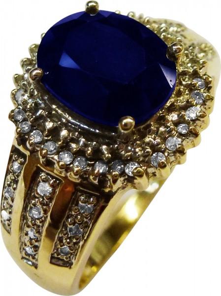 Ring in Gelbgold 585/-, poliert, mit 1 nachtblauen Saphir ca. 2ct und 54 funkelnden Diamanten 8/8 W/P zusammen 0,25ct, Stärke 0,5mm, Ringkopfbreite 14 x 13mm, Ringgröße 20,2mm, Gewicht 5,5g. Ein Unikat zum Schnäppchenpreis und in Premiumqualität aus dem H