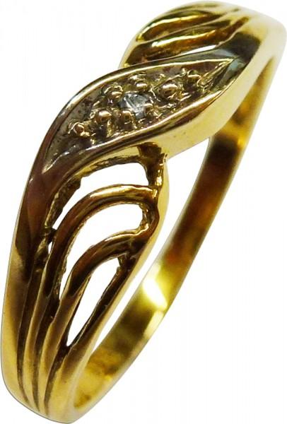 Ring in feinem Gelbgold 333/-, poliert, besetzt mit einem funkelnden Diamanten 8/8 W/P, Stärke 0,8mm, Ringkopfbreite 4mm, Gewicht 1,6g, Ringgröße 18mm. In absoluter Premiumqualität aus Stuttgart. Abramowicz – der feine Goldschmiede seit 1949.