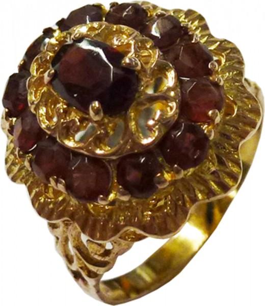 Ring in Roségold 333/- mit 13 echten Granatsteinen. Dieses Einzelstück ist nur noch in der Ringgröße 18 erhältlich. Ein schönes Unikat aus dem Hause Abramowicz, die Nr. 1 für Gold, Silber und Edelsteine. Besuchen Sie auch unseren Outletverkauf in Stuttgar