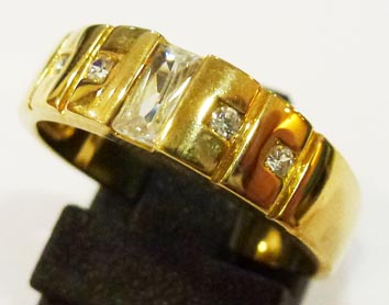 Exklusives Design. Ring 17,8 mm aus fein...