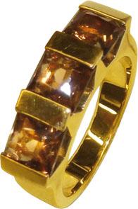 Ring in Gelbgold 750/-  mit 3 Rauchquarz...